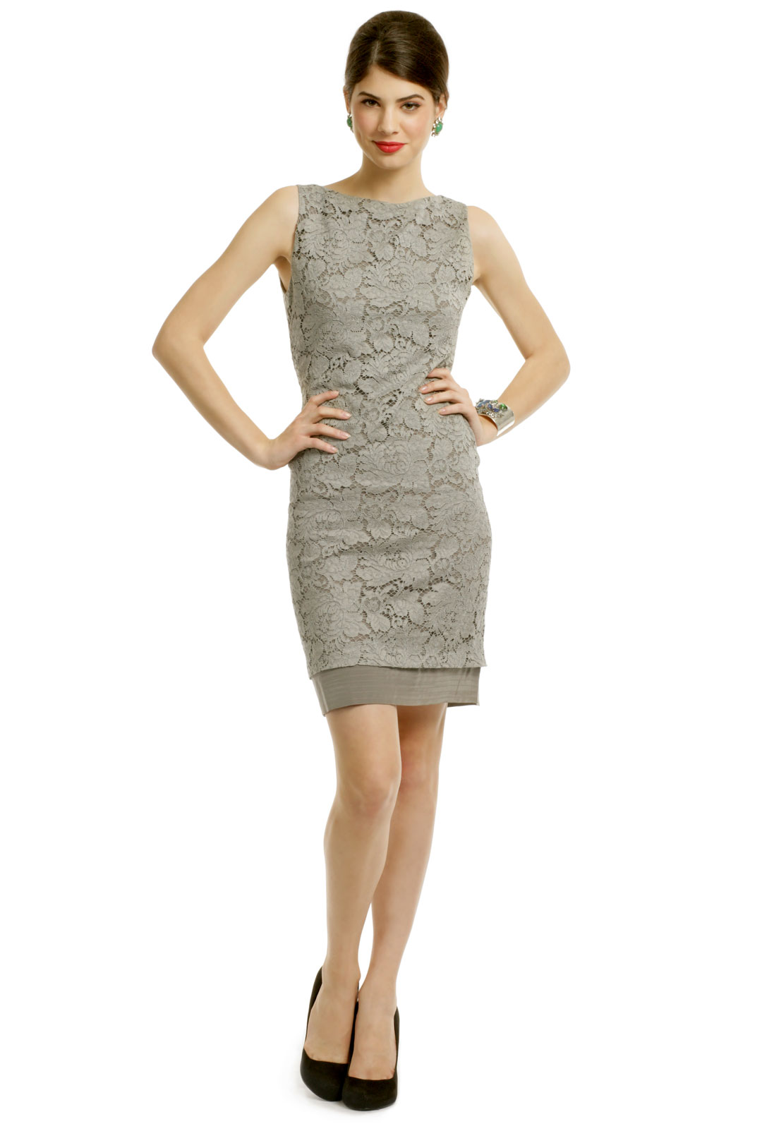 Shop dressbarn for the latest in sheath dresses. You'll discover on trend styles in a variety of patterns and prints that can be worn for any occasion. Add some extra flair to your weekend or workwear wardrobe with sheath dresses.