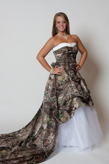 Camo dress dressed up girl for Wedding dresses camouflage pink