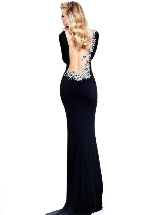 Watch more like Backless Evening Gowns