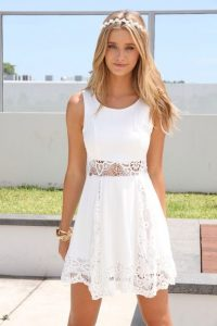 Sleeveless White Lace Cocktail Dress
