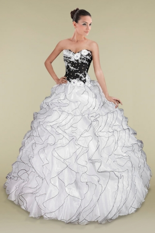 7a43914ad21 Black and White Quinceanera Dresses