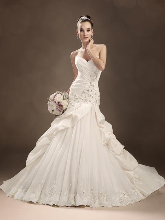 disney themed wedding dresses disney wedding dress disney wedding