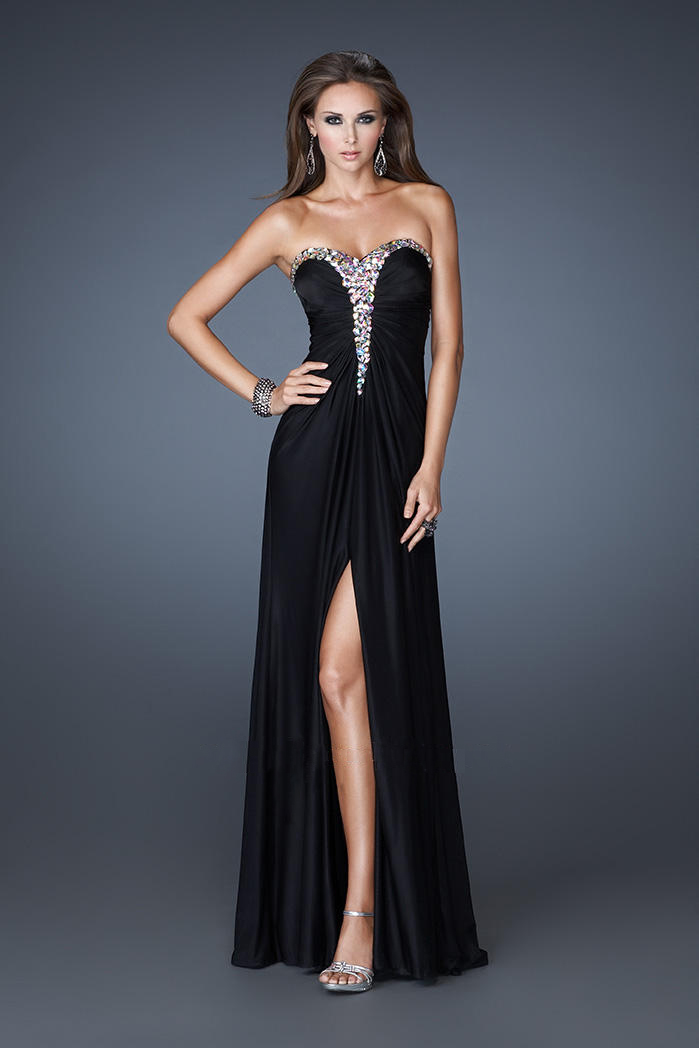do you have to hook up with your prom date Do my accessories have to match my date's prom dress well, if you want to play it smart, you definitely want your accessories to match the question here is what they should match: the rest.