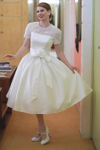 Short Wedding Dresses with Sleeves