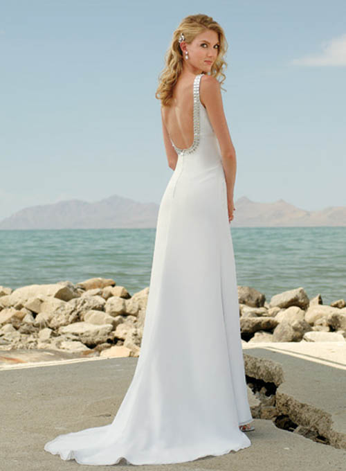 Beach wedding dresses dressed up girl for Best wedding dresses for beach weddings
