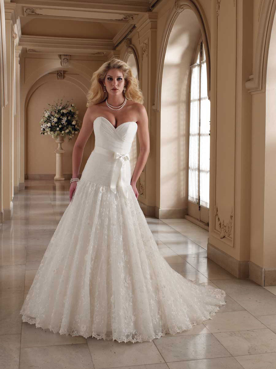 Strapless Sweetheart Wedding Dress. Ball Gown Strapless Sweetheart ...