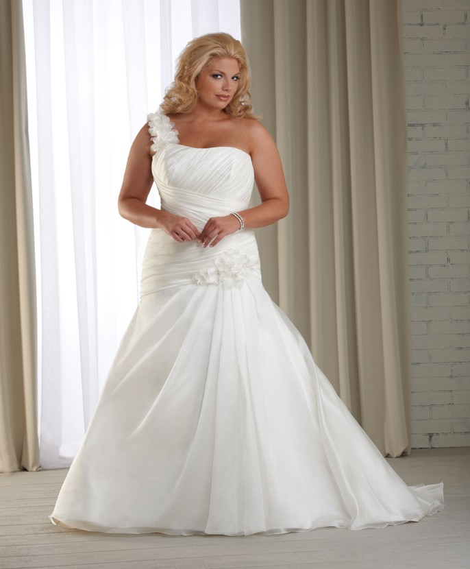 Plus size wedding dresses dressed up girl for Best wedding dress styles for plus size brides