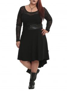 Plus Size Black Lace Dress with Sleeves