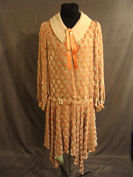 1920s drop waist dress dressed up girl
