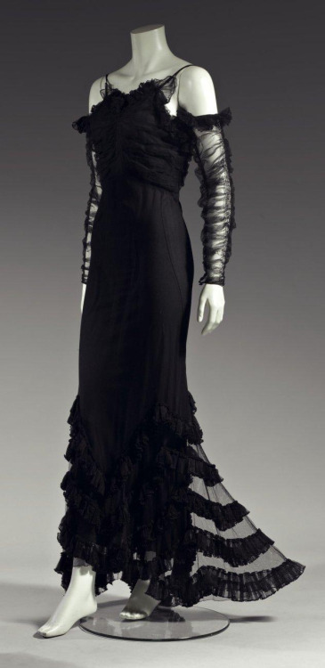 Chanel Gowns Dressedupgirl Com