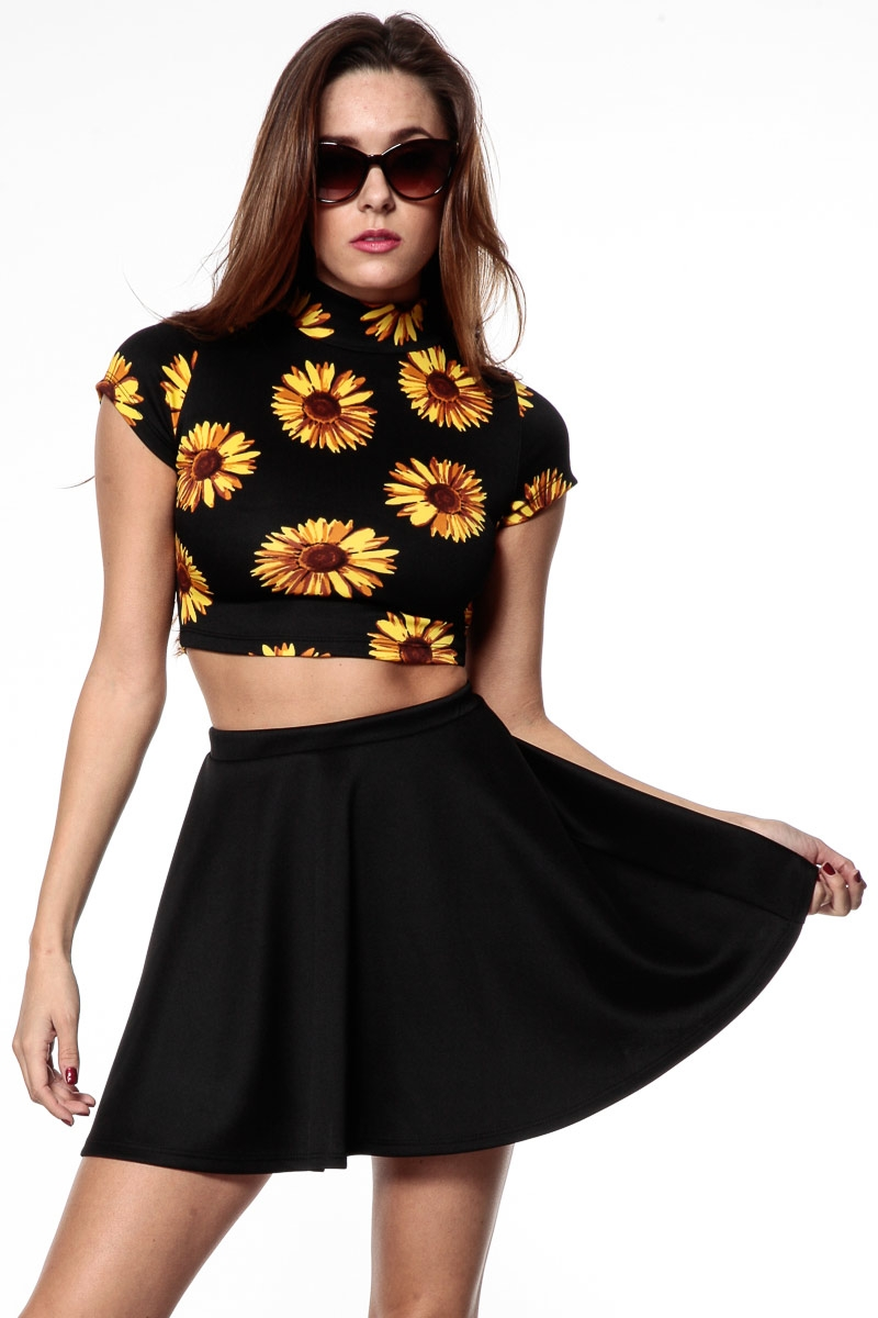 Summer is a great time to wear shorts, skirts and tanks but we can still look gorgeous with these 25 Great Summer Outfits to try this year! See more. Red and Black Dresses For Women - Make A Statement on Rainy Day See more ideas about Black shorts outfit summer, Black shorts fashion and Black .