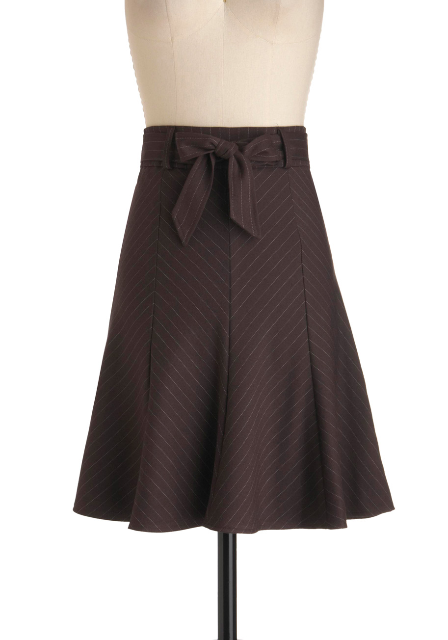 By boat, barge or biplane; it doesn't matter how you travel, but how great you look when you arrive. No matter how wild the ride, our Hestia Broomstick Skirt in Brown delivers you just as poised, pretty and pristine as when you stepped on board – thanks to all those intentional rumples and crumples.