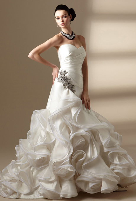 Couture Wedding Dresses Brigg : Couture wedding gowns