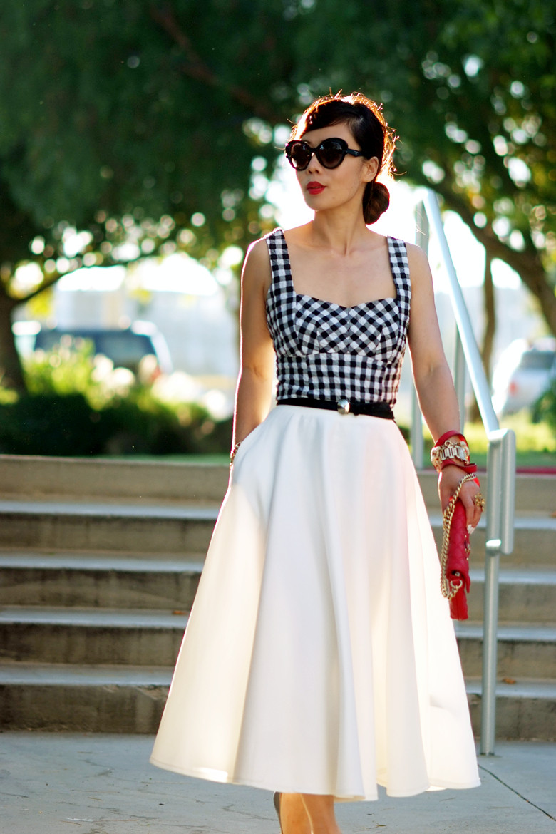 Full skirt in white – Modern skirts blog for you