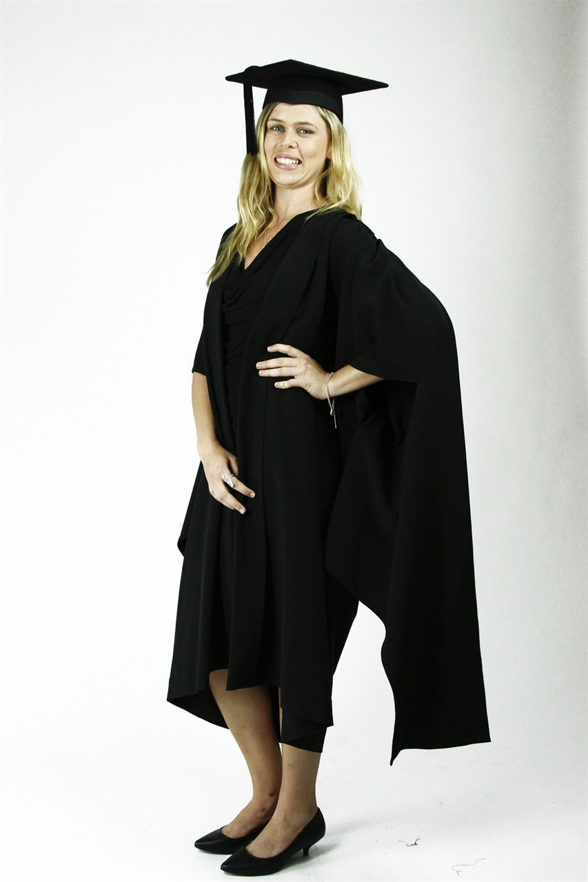 Masters Degrees: Masters Degree Graduation Gown