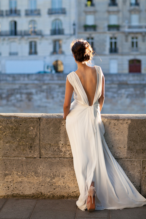 Backless gown dressed up girl for Backless wedding dress bra