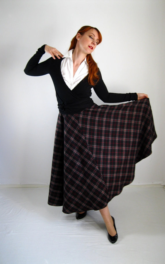 Need a Circle Skirt Pattern? Use our free Circle Skirt Calculator to find out how many yards/meters you need. Our fashion experts have done the math so you don't have to. Silk and Wool Fabric Silk Taffeta Fabric Silk Tulle Fabric Silk Twill Silk Voile Fabric Circle Skirt Calculator - Mood Fabrics; Circle Skirt .